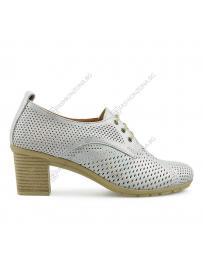 Бели дамски ежедневни обувки Roza
