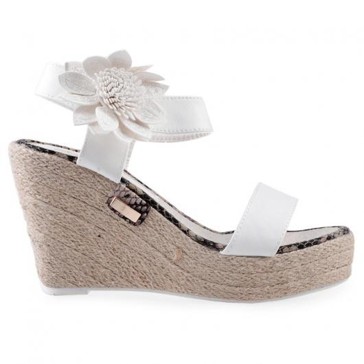 Бели дамски ежедневни сандали Maylene
