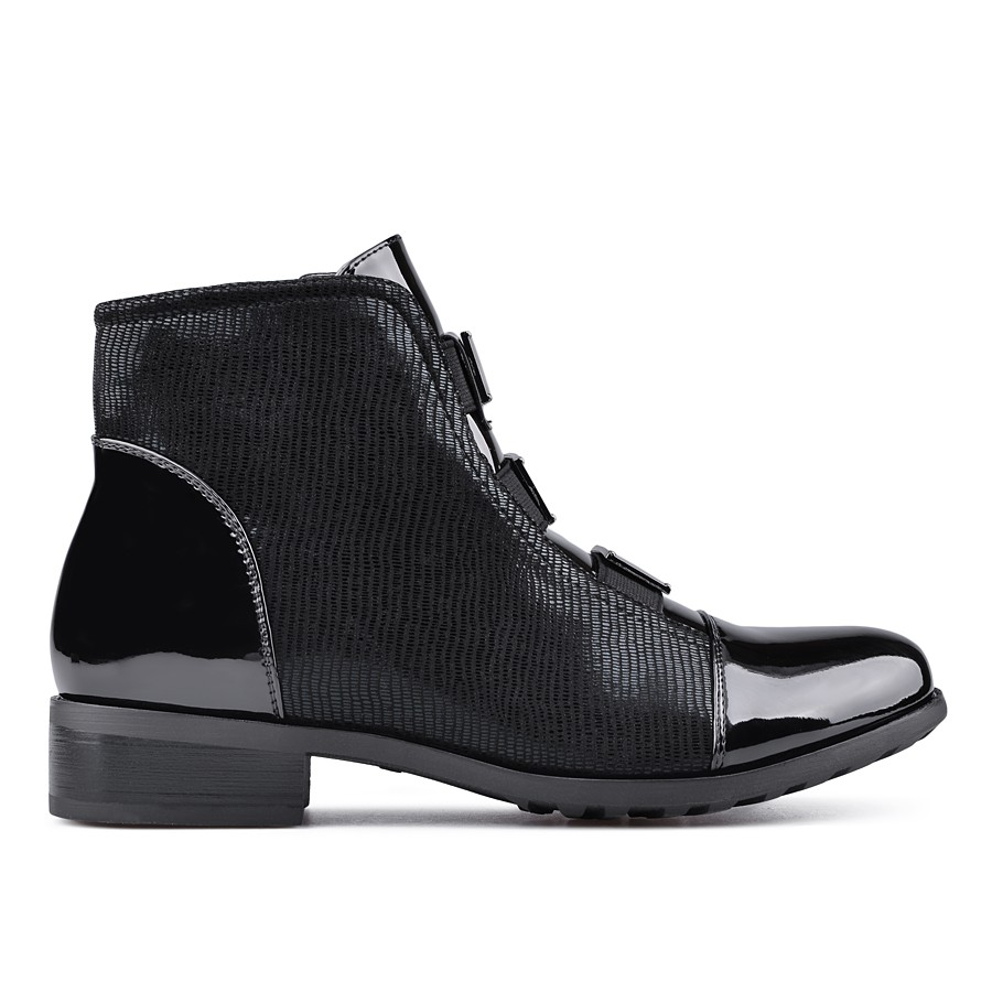 0535e69b7e3 Черни дамски ежедневни боти Carmen ⋙ на цена 22,95 лв — Fashionzona