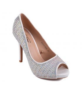 Бели дамски елегантни обувки Chenelle в online магазин Fashionzona