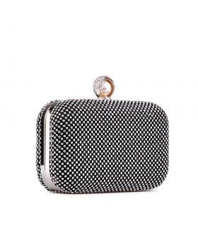 Черна дамска елегантна чанта Chickie в online магазин Fashionzona