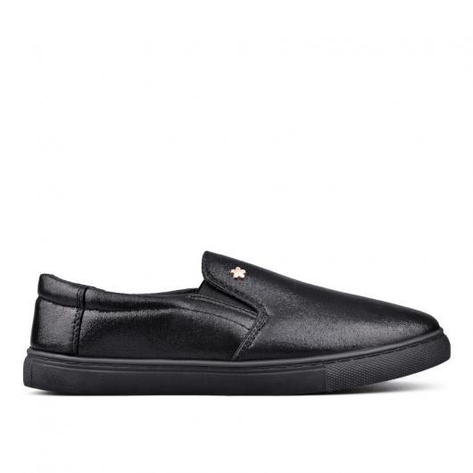 Черни дамски ежедневни обувки McKaylee