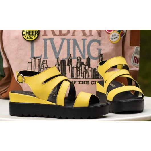 Жълти дамски ежедневни сандали Noemie