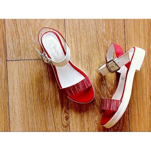 Червени дамски ежедневни сандали Benecia