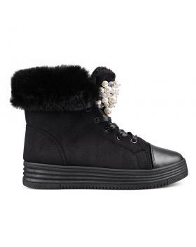 Черни дамски кецове с топъл хастар 0132411 в online магазин Fashionzona