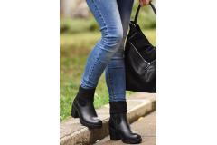 Качествени и достъпни обувки и чанти