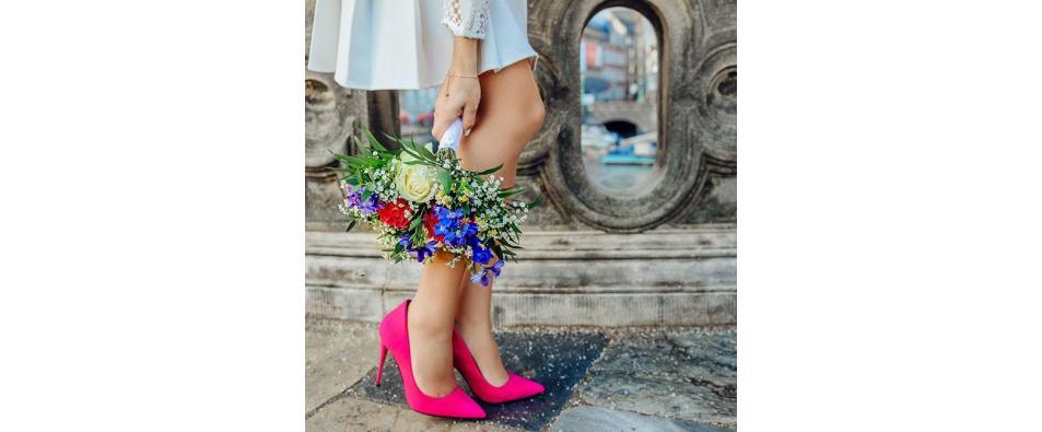 Как да съчетаем роклята с обувки?