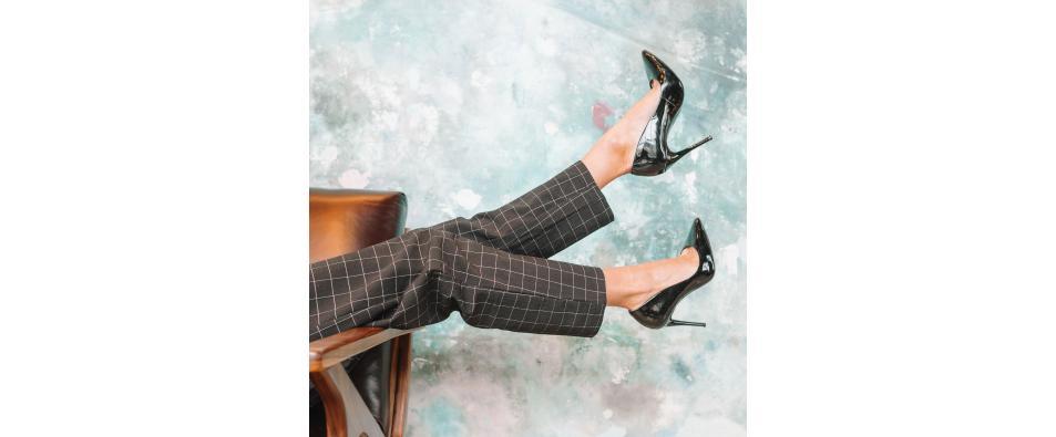Как се разширяват лачени обувки?